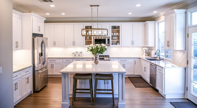 Real Real-Estate image showing a nice kitchen in a home